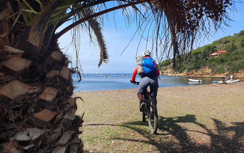 bagnaia-beach1.jpg