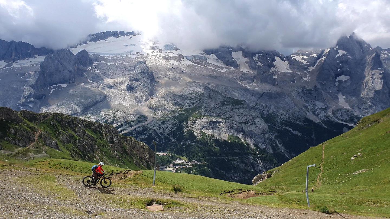 fedaia-trail1.jpg