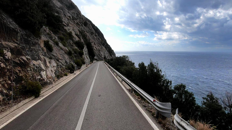 pomonte-road.jpg