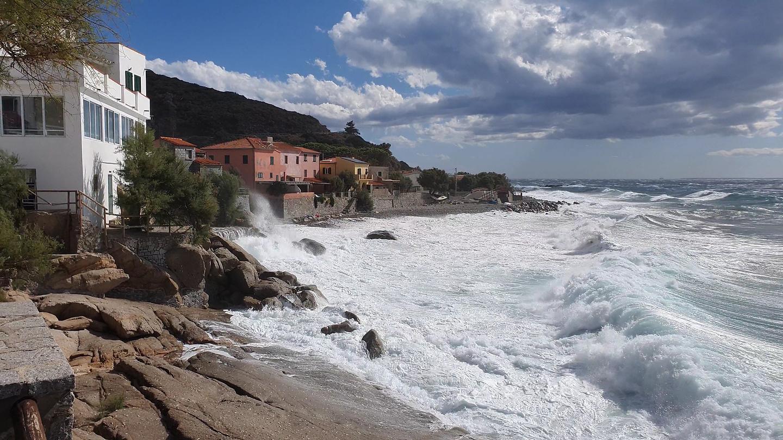 pomonte-storm5.jpg
