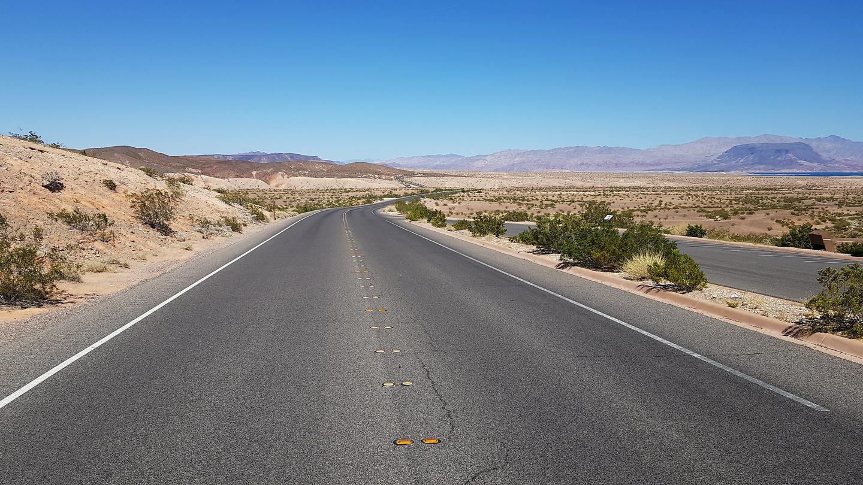 lakemead-road.jpg