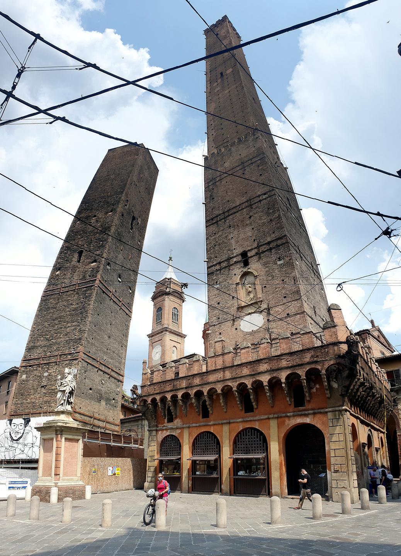 bologna-twintowers.jpg