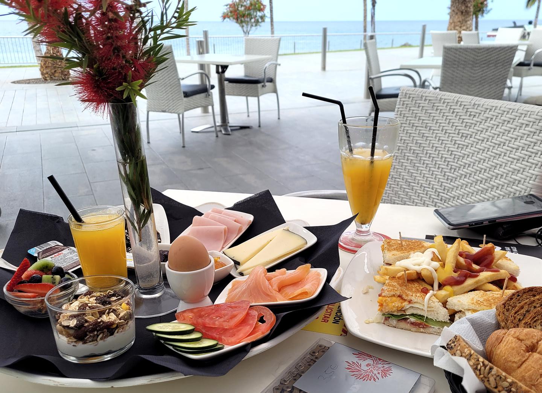 puertonaos-bigbreakfast.jpg