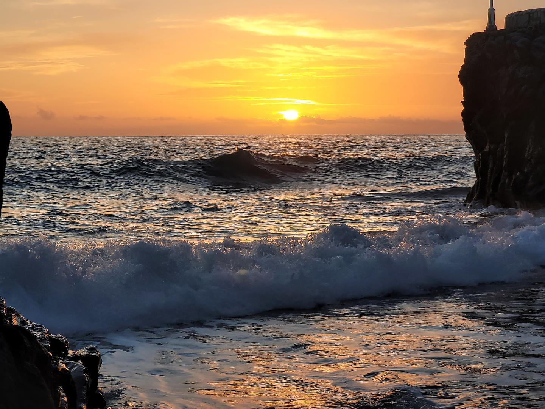 reventon-sunset.jpg