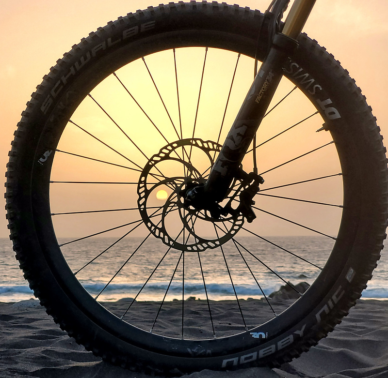 vallegranrey-wheelysunset.jpg