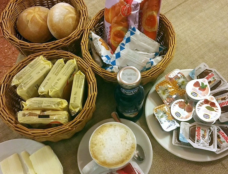 lozzo-breakfast.jpg