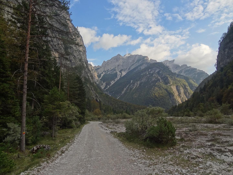 urtisiel-road1.jpg