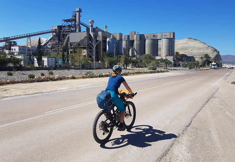 carboneras-road1.jpg