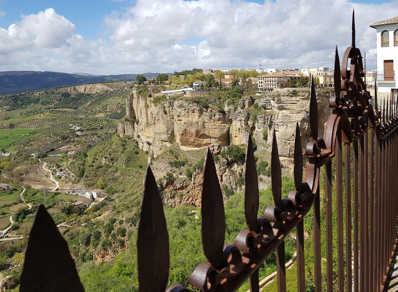 ronda-cliffs2.jpg