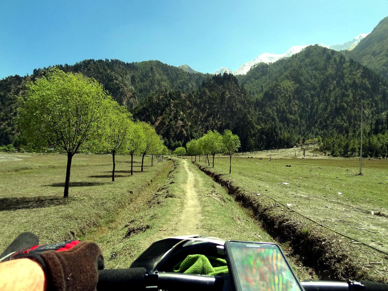 tukuche-trail1.jpg